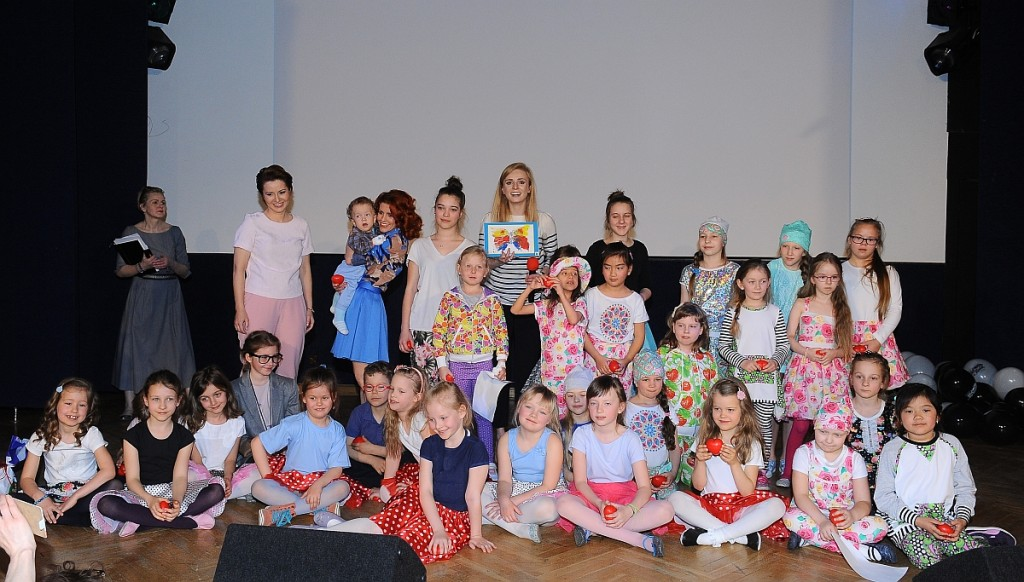 Aleksandra Mikołajczyk: BajkOLAndia, czyli Gwiazdy w Centrum Zdrowia Dziecka - BlogStar.pl