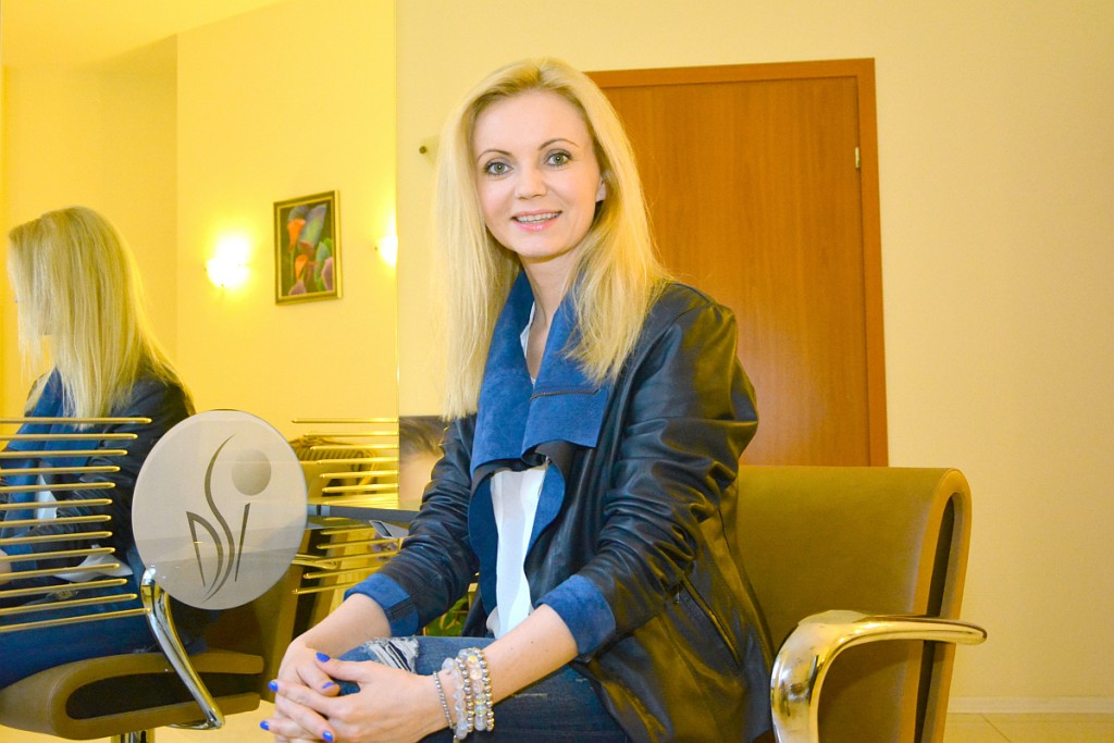 BlogStar: Manicure hybrydowy idealny na lato – polecamy w DS Instytut - BlogStar.pl