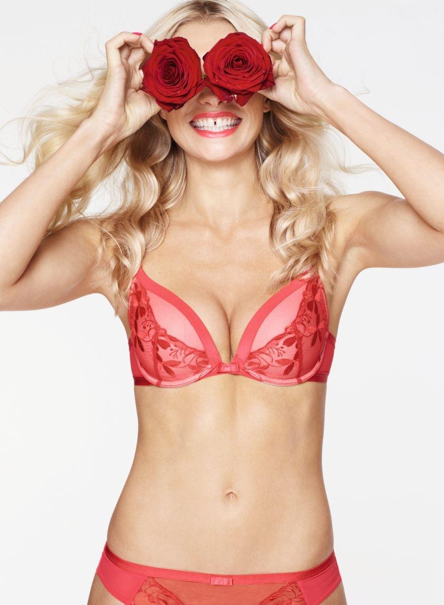 Sexy_Angel_WHU01_Braz_EU_P1201