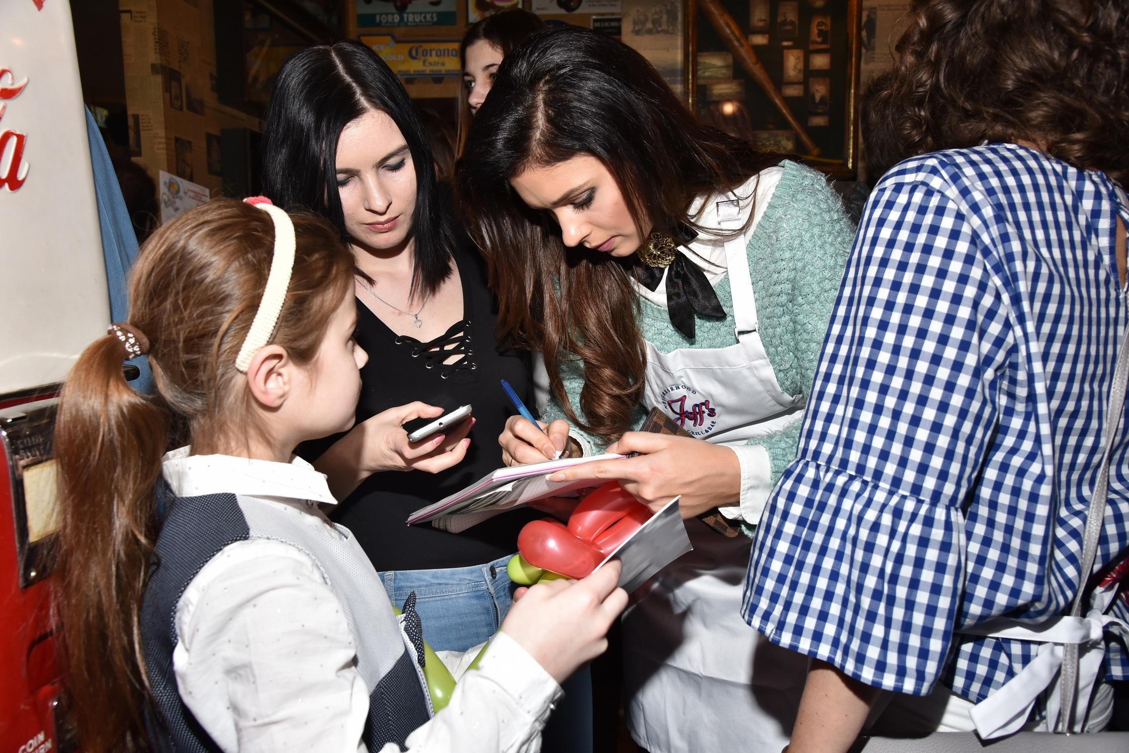 ; Noworoczny obiad z Gwiazdami dzieci z domow dziecka, Restauracja Jeff's na Polu Mokotowskim, Warszawa, 2017.01.21; fot. Dix / EPOKA
