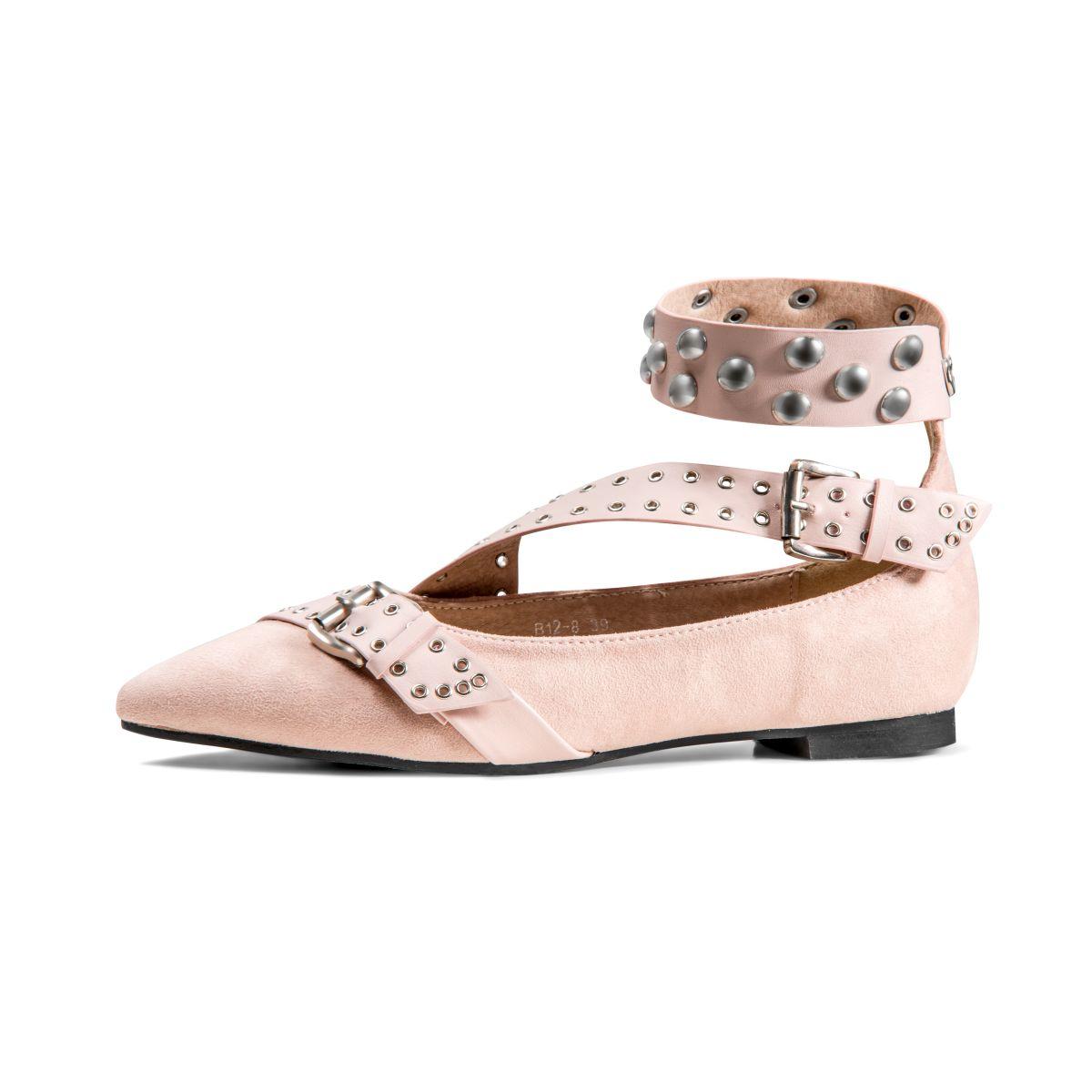 BlogStar: Płaskie czy wysokie? Modne buty na sezon SS 2017 - BlogStar.pl
