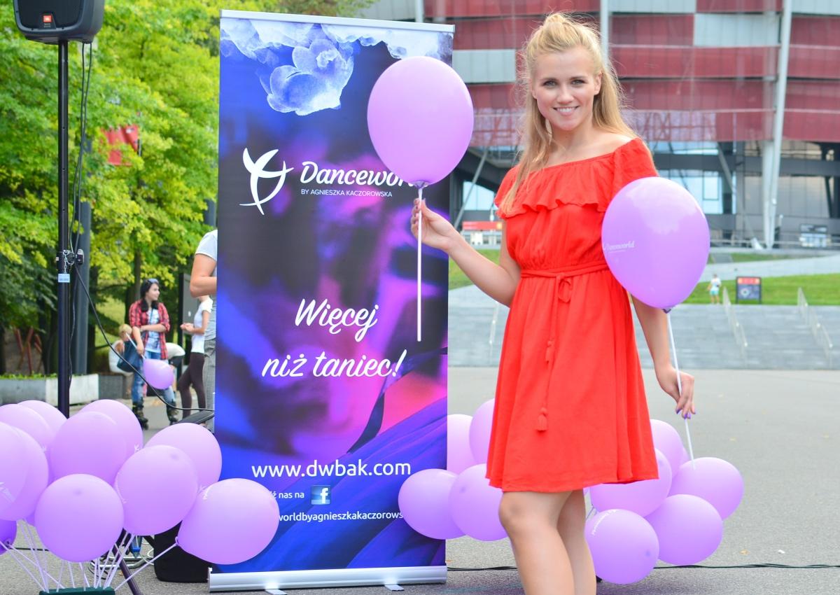 BlogStar: W każdą środę uczy tańczyć za darmo - BlogStar.pl