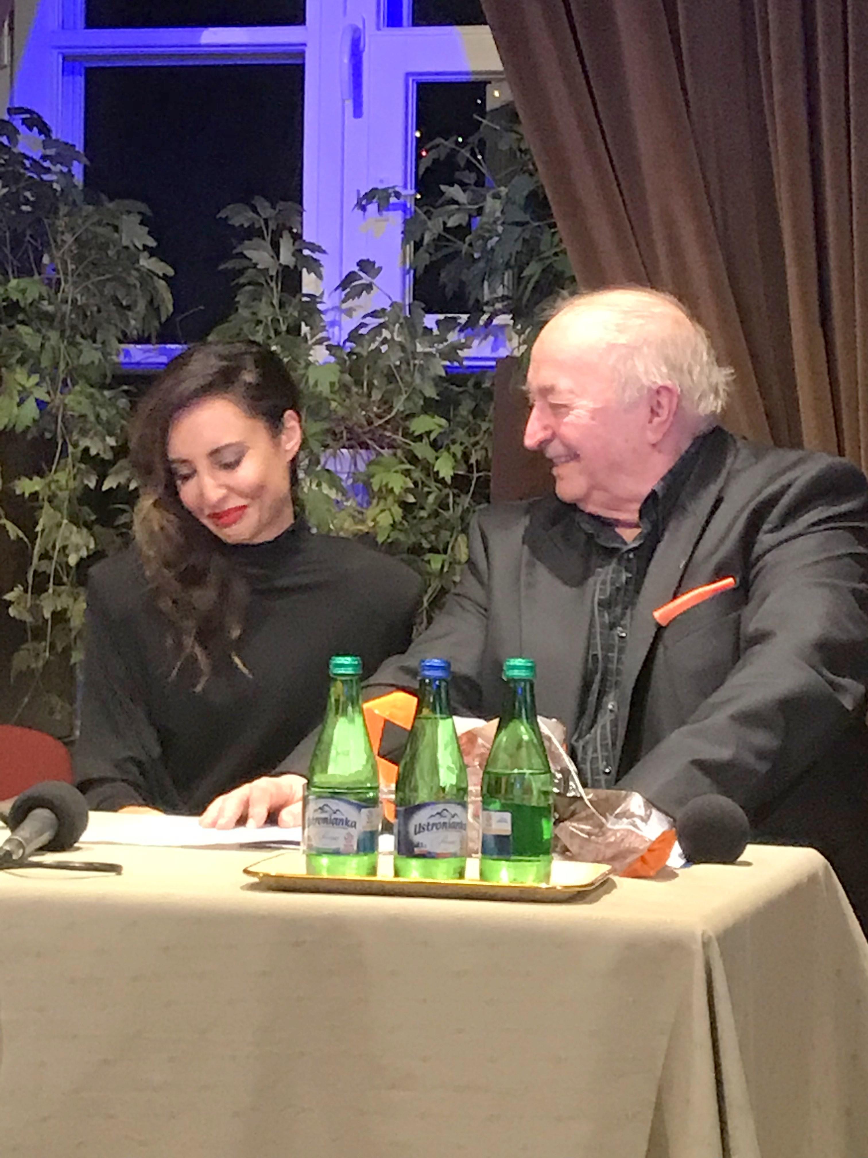BlogStar: Agata Nizińska w duecie z Bohdanem Łazuką - BlogStar.pl