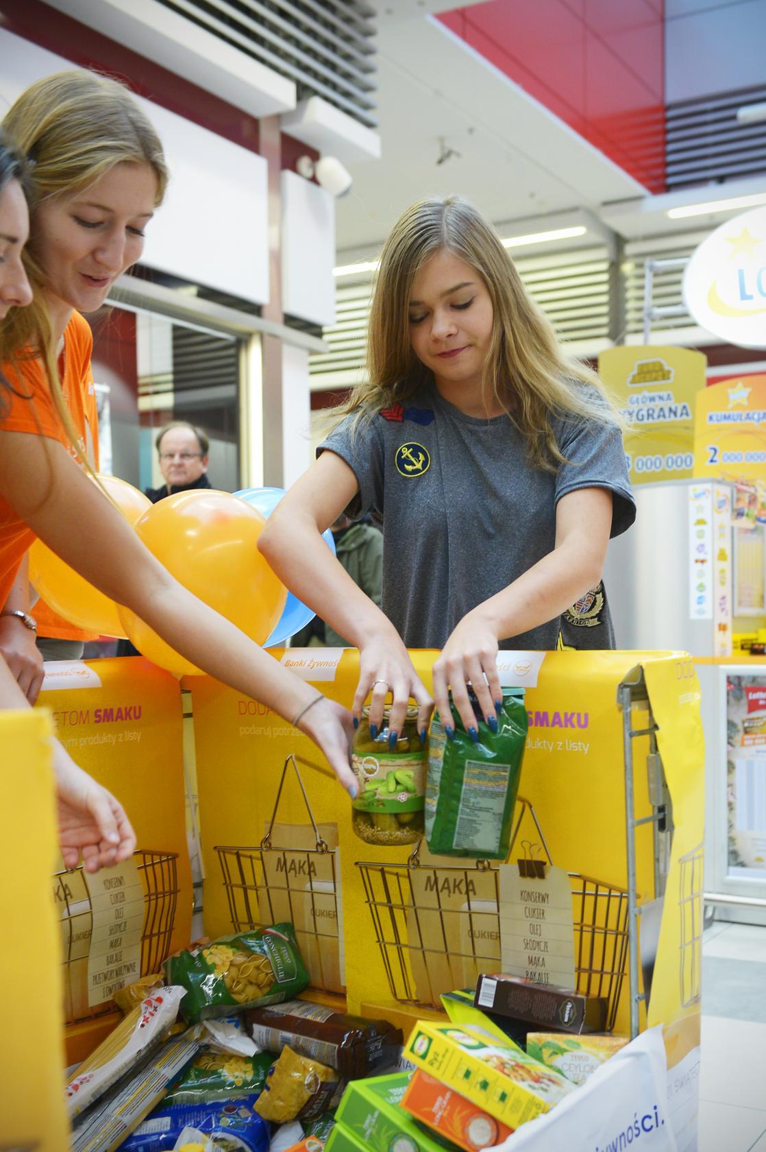 BlogStar: Ruszyła 21. Świąteczna Zbiórka Żywności - BlogStar.pl