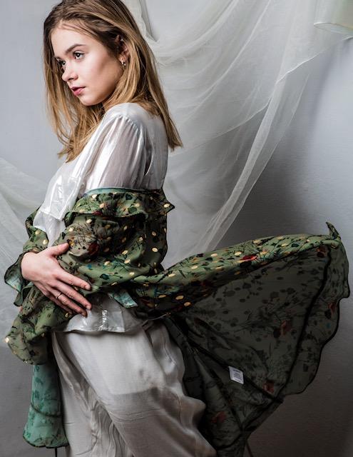 BlogStar: Julia Wróblewska flirtuje z modą!!! - BlogStar.pl