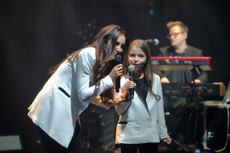 """BlogStar: Koncert premierowej płyty """"niePokorna"""" Agaty Nizińskiej - BlogStar.pl"""