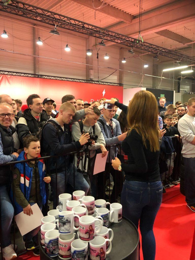 BlogStar: Karolina Pilarczyk na Warsaw Motor Show - BlogStar.pl