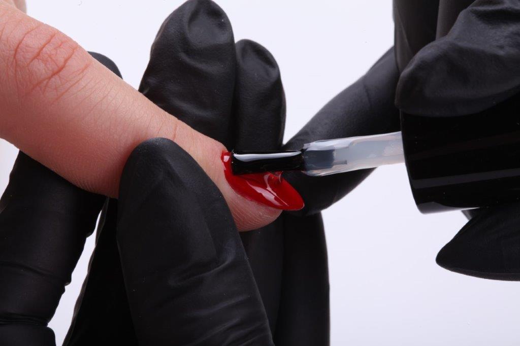 BlogStar: Czy hybryda jest bezpieczna dla paznokci? - BlogStar.pl