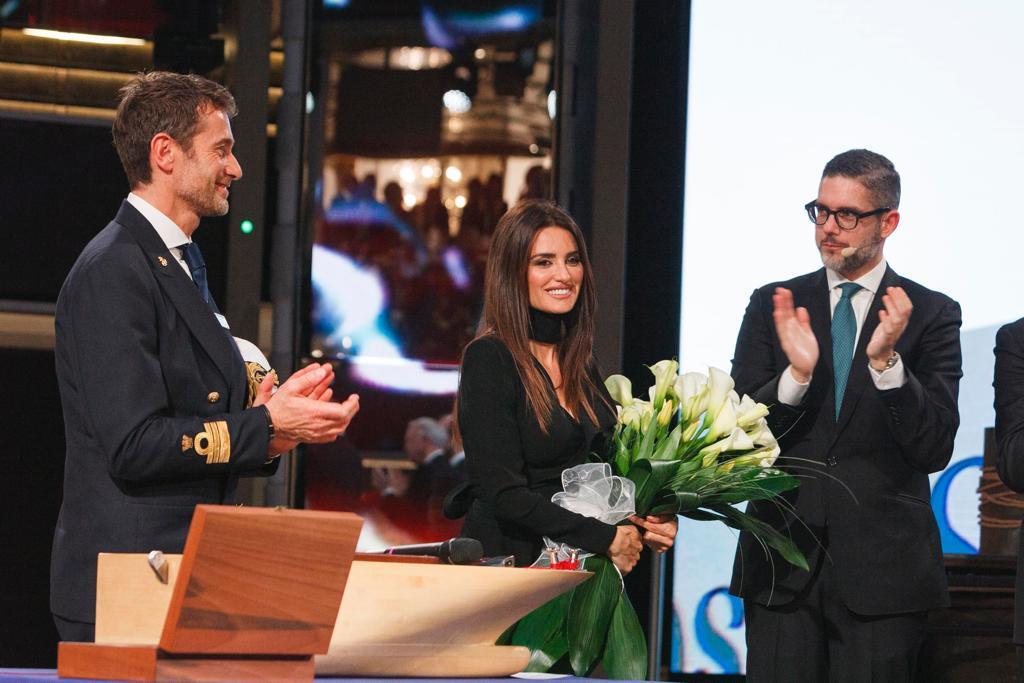 "BlogStar: Penelope Cruz ""matką chrzestną"" luksusowego statku - BlogStar.pl"