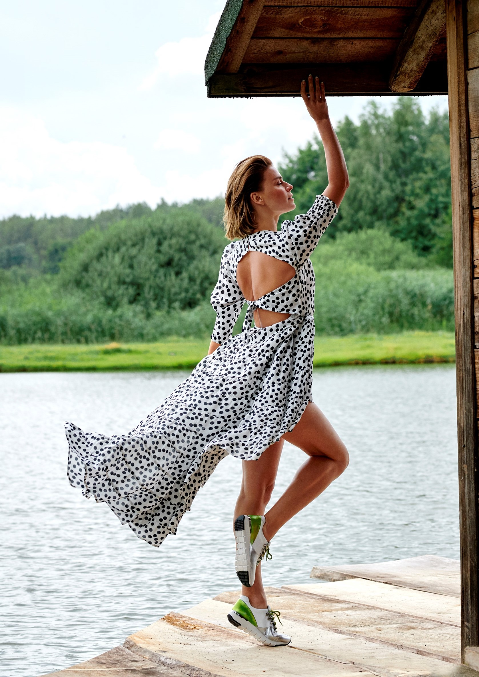 BlogStar: Natasza Urbańska w letniej sesji dla marki Caprice - BlogStar.pl