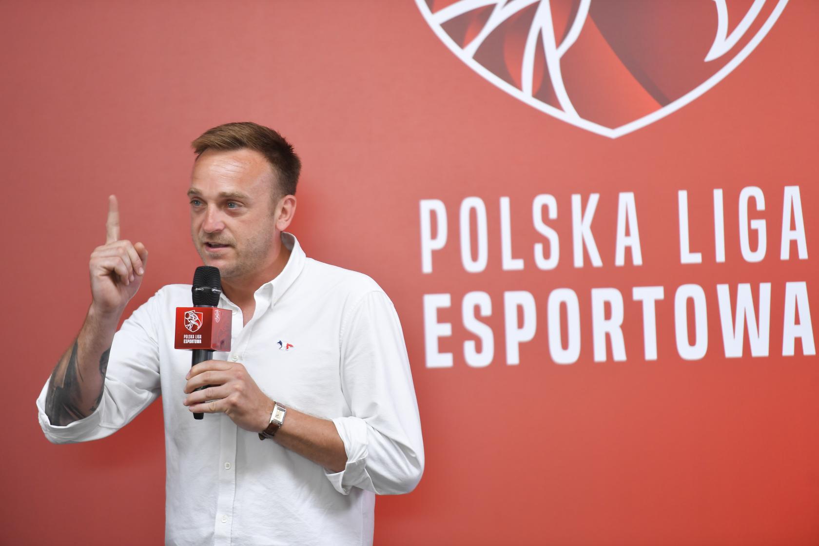 BlogStar: Konferencja Polskiej Ligi Esportowej - BlogStar.pl