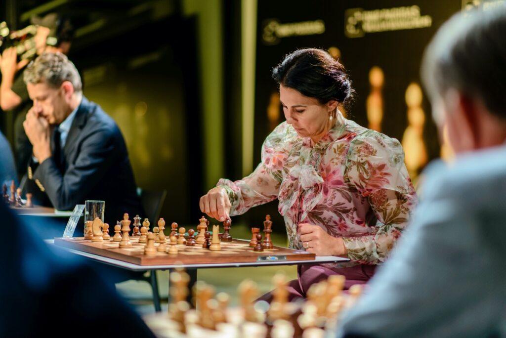 BlogStar: Symultana szachowa z Anatolijem Karpowem - BlogStar.pl