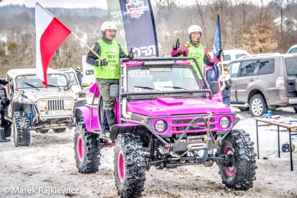 BlogStar: Karolina Pilarczyk - auto terenowe też jest różowe ! - BlogStar.pl