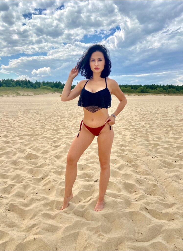 BlogStar: Justyna Bolek w ostrych słowach o nagminnym zjawisku na polskich plażach - BlogStar.pl